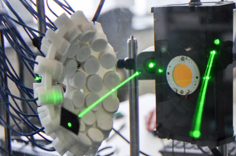 Image of lasers with histotripsy transducer device, a technique used in Vlaisavljevich's lab in the Department of Biomedical Engineering and Mechanics